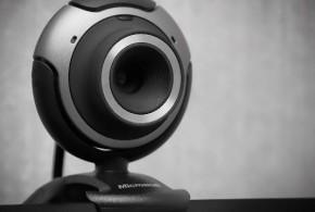 Como evitar que nos espíen por nuestra propia webcam